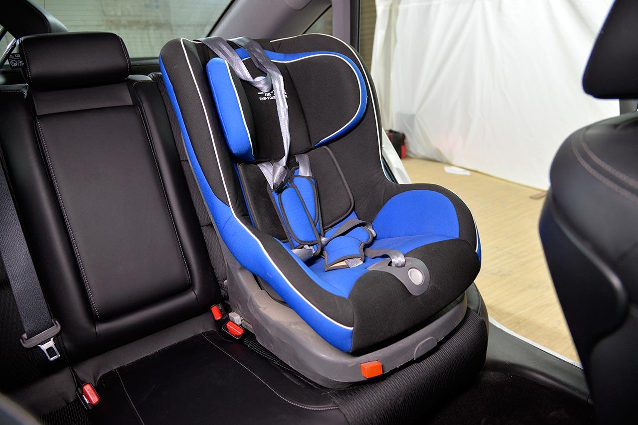 儿童座椅安装